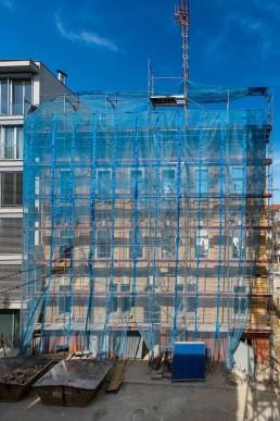 Pohľad na prednú fasádu, ktorá je zabezpečená proti zosunu